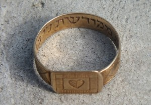 holocaust_wedding_ring