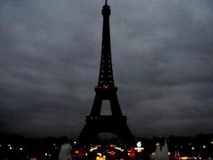 eiffel_tower_dark